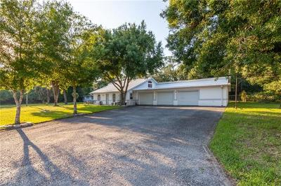 North Fort Myers Single Family Home For Sale: 702 Queens Dr