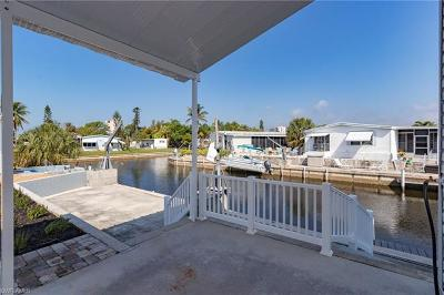 Bonita Springs Mobile/Manufactured For Sale: 4704 Kahlua Ln