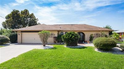 Cape Coral Single Family Home For Sale: 216 SE 30th Ter