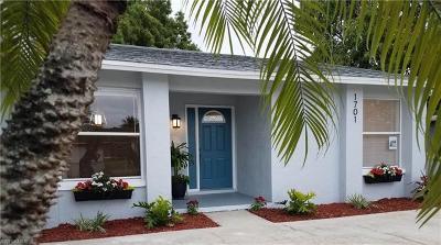 Cape Coral Single Family Home For Sale: 1701 SE 19th Ln