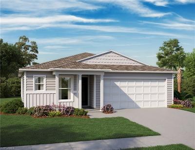 Lehigh Acres Single Family Home For Sale: 505 E 11th St
