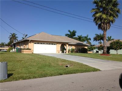 Cape Coral Single Family Home For Sale: 942 SE 23rd Pl