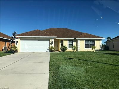 Lehigh Acres Single Family Home For Sale: 8111 Liriope Loop