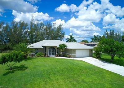 Cape Coral Single Family Home For Sale: 2240 SW 17th Ave