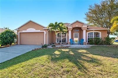 Cape Coral Single Family Home For Sale: 818 SE 5th Ct