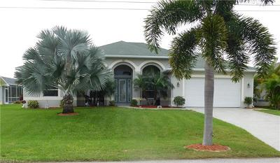 Cape Coral Single Family Home For Sale: 252 SE 29th St