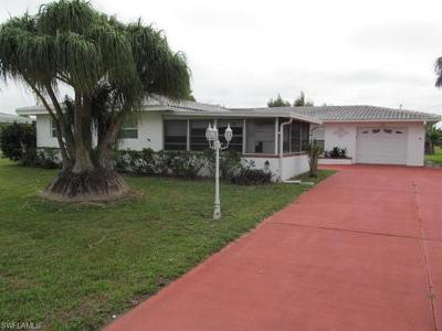Lehigh Acres Single Family Home For Sale: 308 Dania St