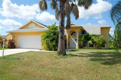 Lehigh Acres Single Family Home For Sale: 405 Poinsettia Ave