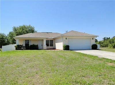 Cape Coral Single Family Home For Sale: 2612 NE 5th Pl