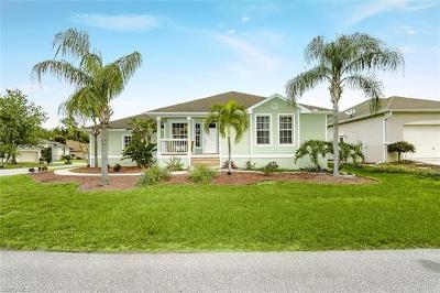 Fort Myers Single Family Home For Sale: 7961 Sandel Wood Cir W