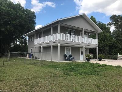 Lehigh Acres Single Family Home For Sale: 3708 3rd St W