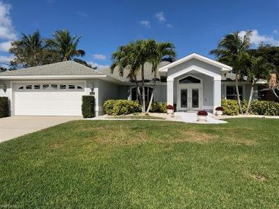 Cape Coral Single Family Home For Sale: 2011 SE 20th Ln