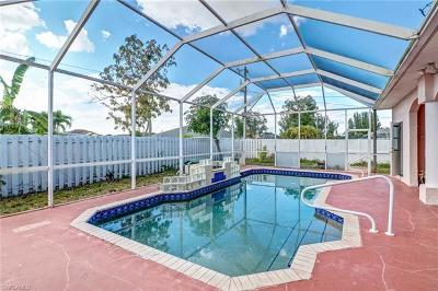 Cape Coral Single Family Home For Sale: 442 SE 13th Ct