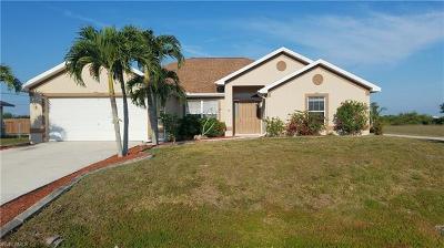 Cape Coral Single Family Home For Sale: 2220 NE 10th Ave