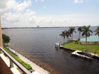 Cape Coral Condo/Townhouse For Sale: 1766 Cape Coral Pky E #503