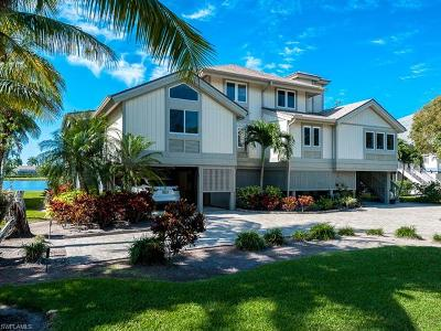 Sanibel Single Family Home For Sale: 1607 Sand Castle Rd