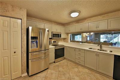 The Landings, Steamboat Bend, Steamboat Bend East, Windjammer Village At The Land, Trawler Village, Sunset Cove At The Landings, Ariel, Flagship Village, Sunset Cove, Longboat Village, Clipper Cove, Harbortown, Riverside Yacht Club Condo/Townhouse For Sale: 9900 Sunset Cove Ln #117
