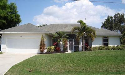 Cape Coral Single Family Home For Sale: 823 SE 3rd Pl
