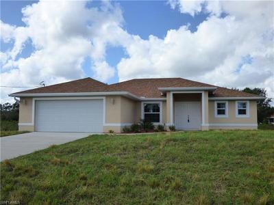 Lehigh Acres Single Family Home For Sale: 208 Leroy Ave