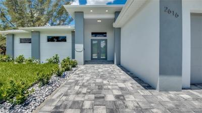 Cape Coral Single Family Home For Sale: 2616 SW 10th Ave