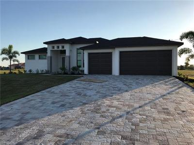 Cape Coral, Matlacha Single Family Home For Sale: 2024 NW 33rd Ave