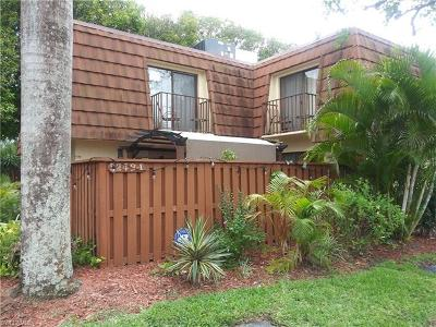 Fort Myers Single Family Home For Sale: 5249 Cedarbend Dr #1