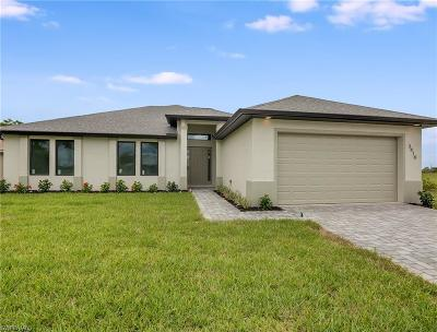 Cape Coral Single Family Home For Sale: 3410 NW 17th Ln