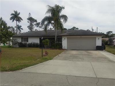 Fort Myers Single Family Home For Sale: 2472 Woodland Cir