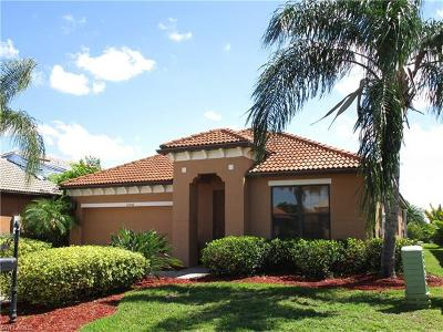 Fort Myers Single Family Home For Sale: 12036 Country Day Cir