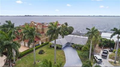 Cape Coral Single Family Home For Sale: 228 Bayshore Dr