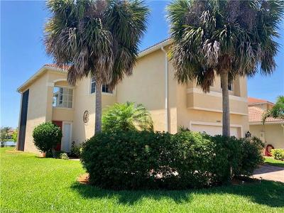 Fort Myers Single Family Home For Sale: 10468 Carolina Willow Dr