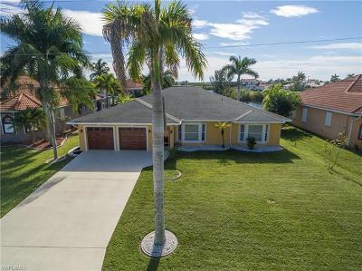 Cape Coral Single Family Home For Sale: 2910 SW 40th St