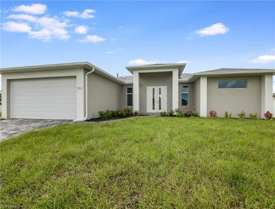 Cape Coral Single Family Home For Sale: 3308 SW 11th Ct