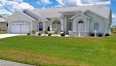 Lehigh Acres Single Family Home For Sale: 1605 Covington Meadows Cir