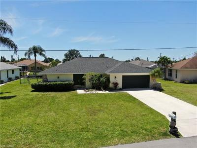 Cape Coral Single Family Home For Sale: 250 SW 37th Ter