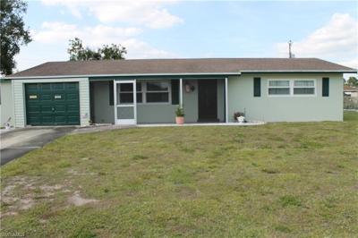 Lehigh Acres Single Family Home For Sale: 1207 Barnsdale St #1