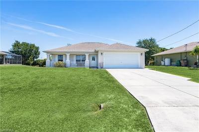 Cape Coral Single Family Home For Sale: 305 NW 25th Ave