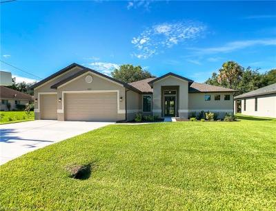 Cape Coral Single Family Home For Sale: 1820 SW 18th Ter