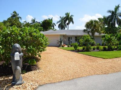 Sanibel, Captiva Single Family Home For Sale: 1560 Royal Poinciana Dr