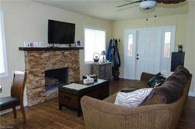 Fort Myers Condo/Townhouse For Sale: 17320 Timber Oak Ln