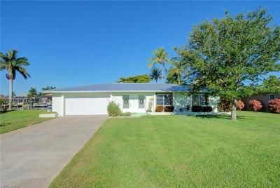 Cape Coral Single Family Home For Sale: 4938 Santa Monica Ct