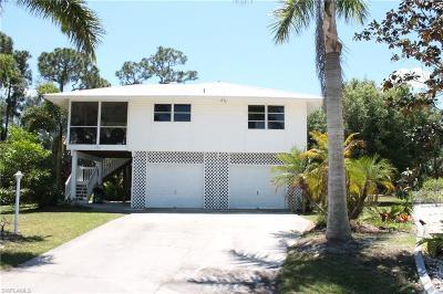 Bokeelia Single Family Home For Sale: 7771 Breakwater Ct