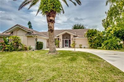 Lehigh Acres Single Family Home For Sale: 690 Grass Cove Ct