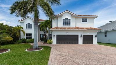 Cape Coral Single Family Home For Sale: 5221 Seagull Ct