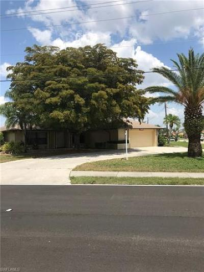 Cape Coral Single Family Home For Sale: 1533 SW 53rd Ln