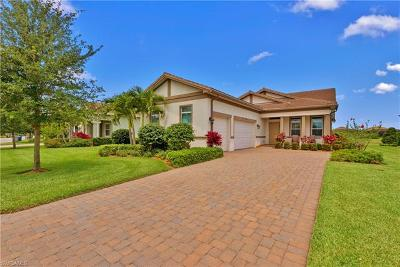Fort Myers Single Family Home For Sale: 12676 Fairway Cove Ct