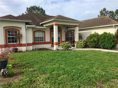 Lehigh Acres Single Family Home For Sale: 1208 Delores St E