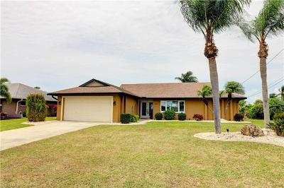 Cape Coral Single Family Home For Sale: 4906 Skyline Blvd