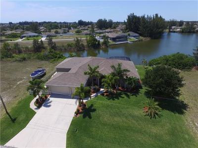 Cape Coral Single Family Home For Sale: 1208 NW 20th Ave