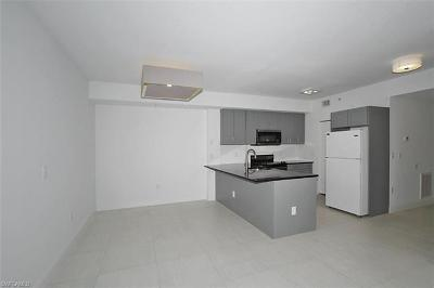 Fort Myers Condo/Townhouse For Sale: 6490 Aragon Way #104